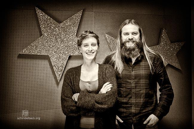 Julia Hildenbrand und Alexander Maisenhelder von Enjoy Jazz im Bermudafunk Studio bei Jazzology